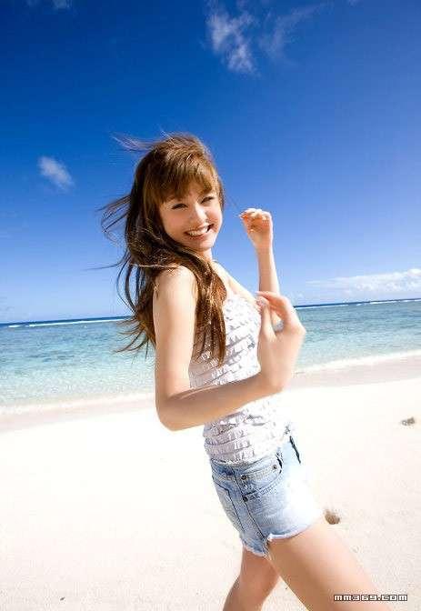 日本最红的名模西山茉希夏日清爽写真