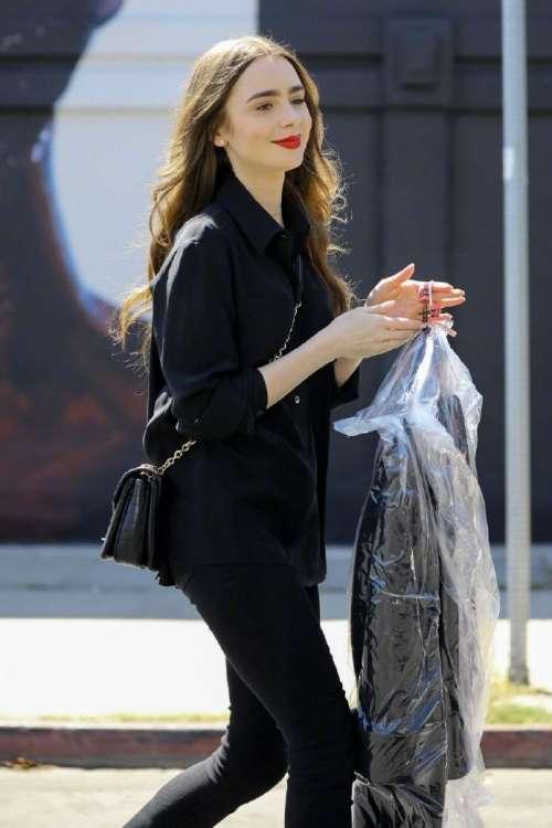 欧美美女明星Lily Collins好莱坞街拍图片