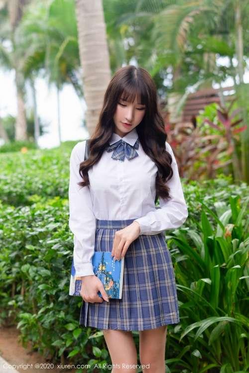 女神周于希Sandy三亚旅拍清纯学生制服大尺度性感内衣诱惑写真