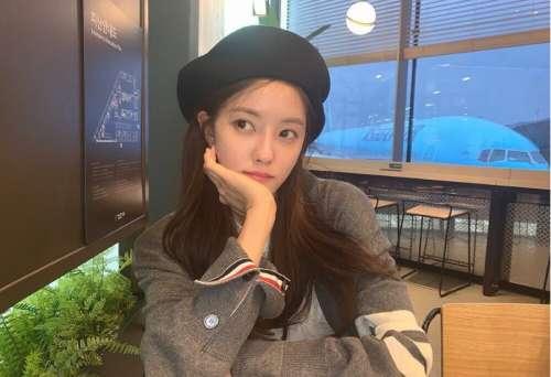 韩国美女图片 戴贝雷帽的朴孝敏图片