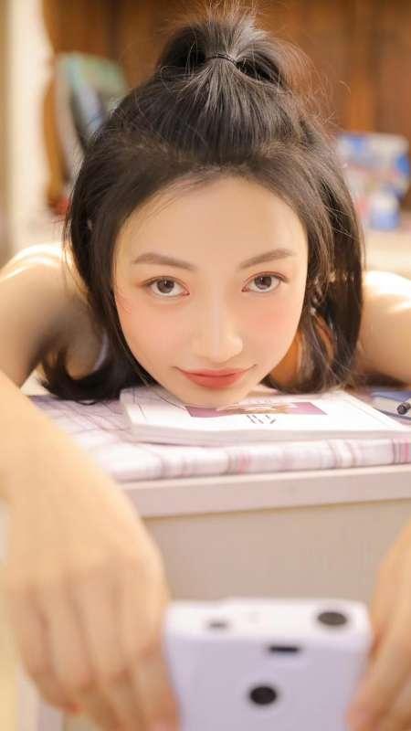 日本妙龄少女性感泳装私房俏皮写真手机壁纸