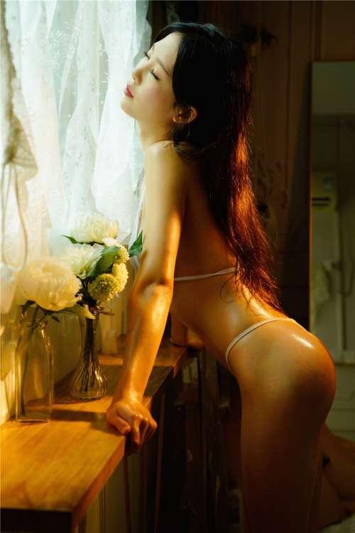 活春官图片(真人)美女人体艺术摄影,露100%奶头的美女图片A级人体片