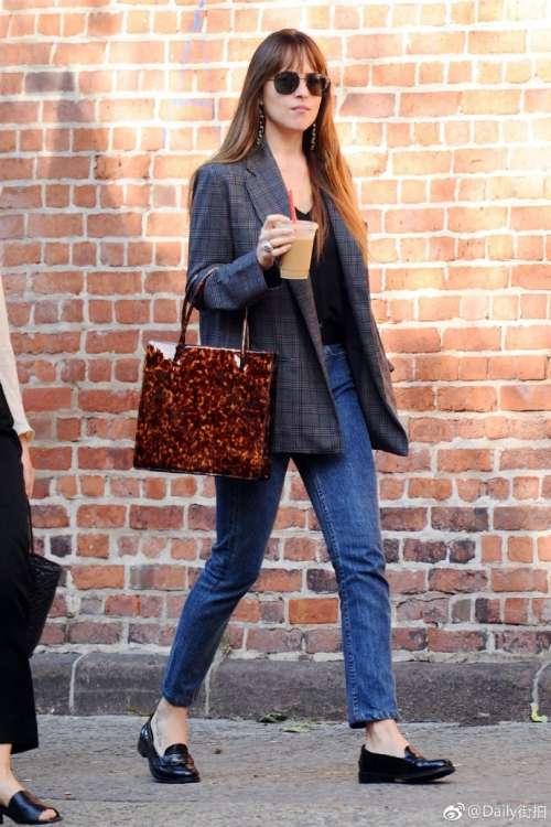 欧美美女明星达妹Dakota Johnson达科塔·约翰逊街拍