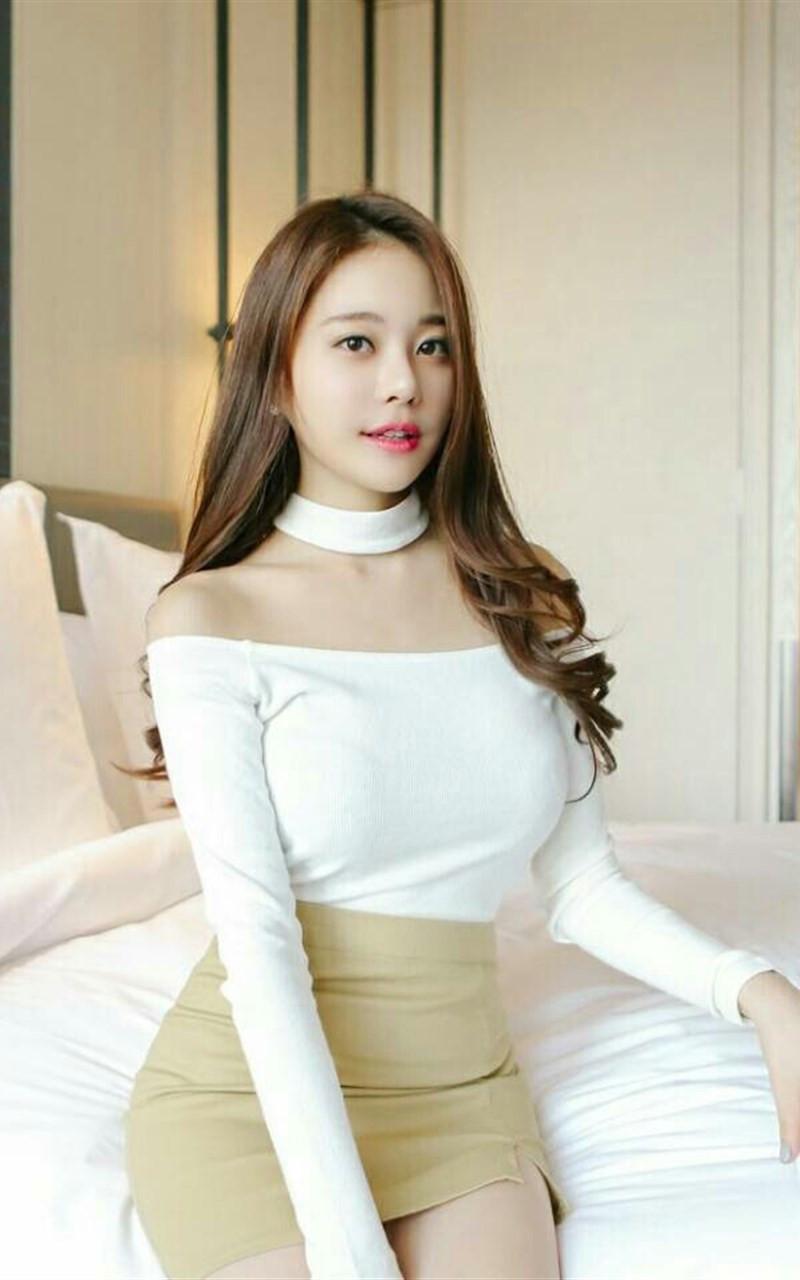 前凸后翘漂亮的韩国美女手机壁纸