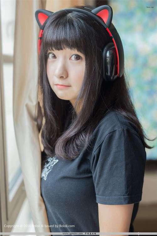 激萌文化周闻球球喵耳机少女,唯美清纯少女高清壁纸