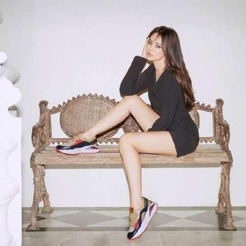 韩国美女图片 宋慧乔猫眼妆强势性感写真