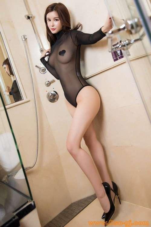 极品美女大尺度浴室写真,女人张开腿的隐私图片