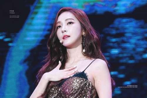 韩国美女明星郑秀妍性感图片