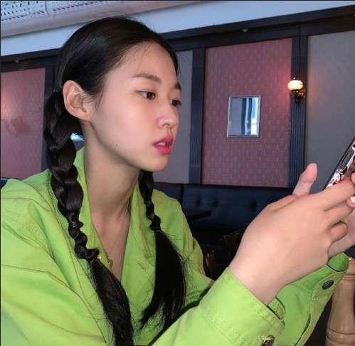 韩国女团AOA成员金雪炫生活照图片 韩国美女图片