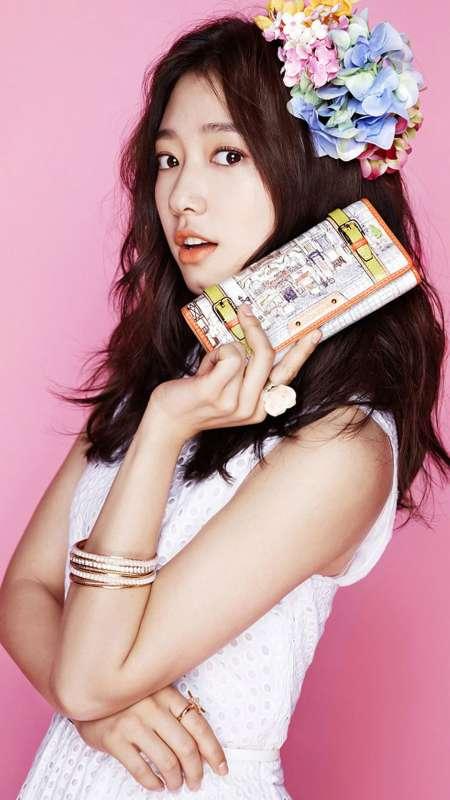 韩国美女朴信惠iPhone 6plus壁纸