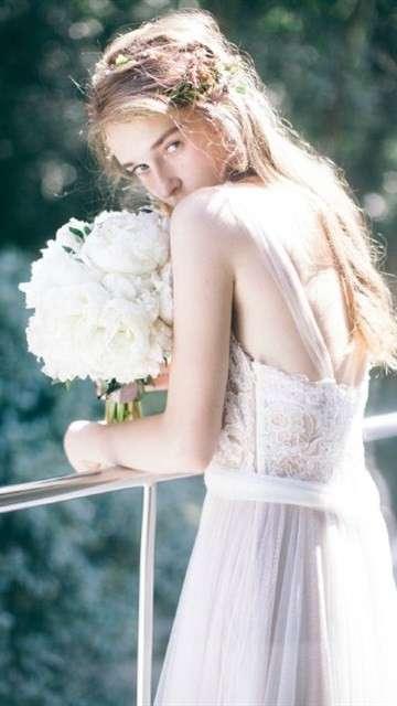 唯美梦幻欧美婚纱写真手机壁纸