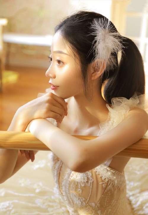 艺校美女白丝芭蕾装高清写真