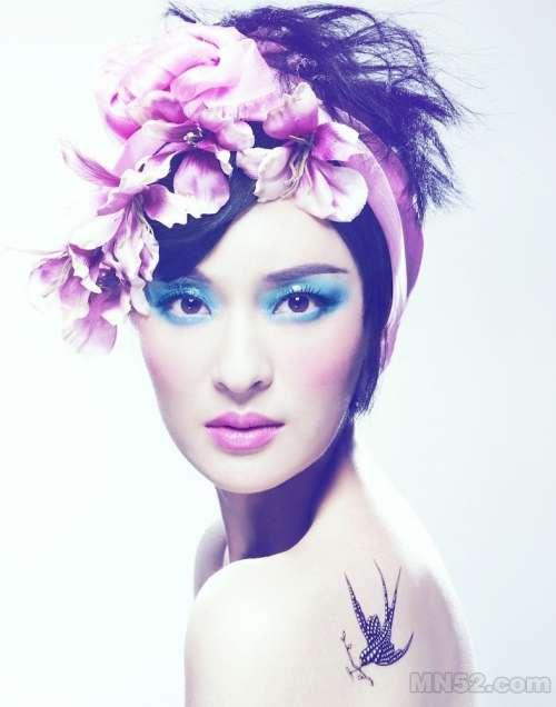 于越幻彩妆容绽放花样魅力