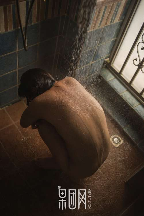 女人裸下部图裸露全身正面,337p人体粉嫩胞高清大图