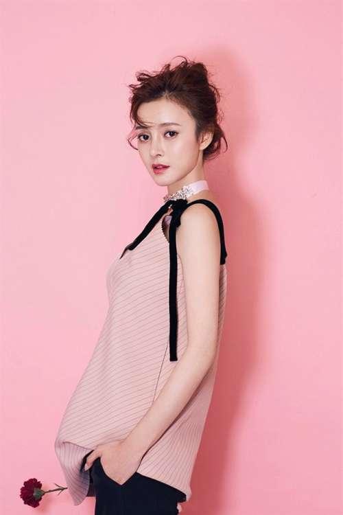 美女演员王瑞子粉嫩写真手机壁纸下载