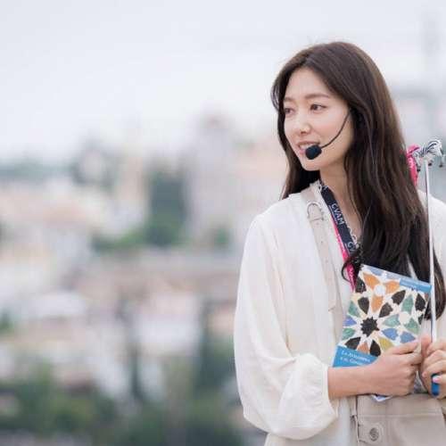 韩国美女明星朴信惠《阿尔罕布拉宫的回忆》壁