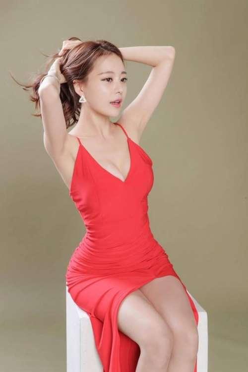 韩国电竞第一美女逆天长腿美照图片