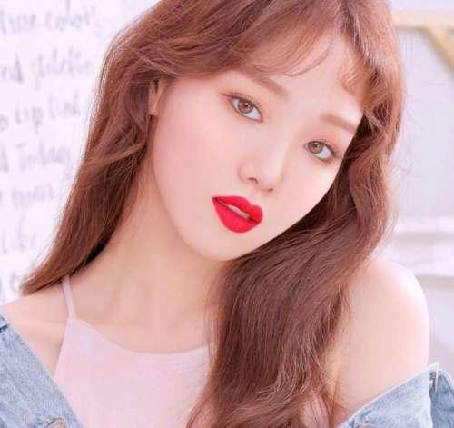韩国美女李圣经 x laneige广告宣传图片