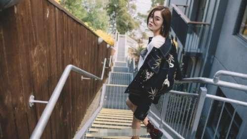 新疆美女明星古力娜扎美腻街拍照文艺气质碰上
