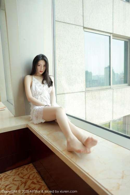 模范学院嫩模言沫私房透视装无内丝袜美腿诱惑写真