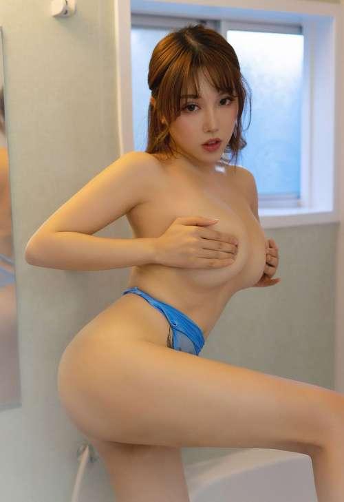 女神黄楽然全裸赤裸销魂自慰翘臀后入式豪乳自摸高清大图