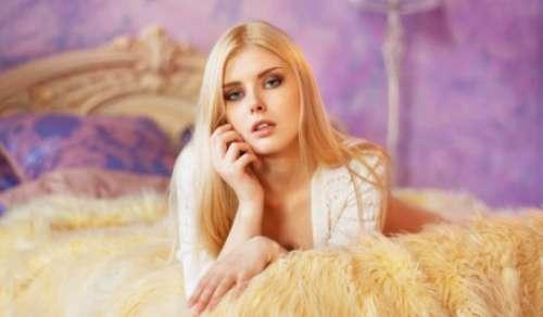 欧美金发美女美乳真空激凸性感写真图片
