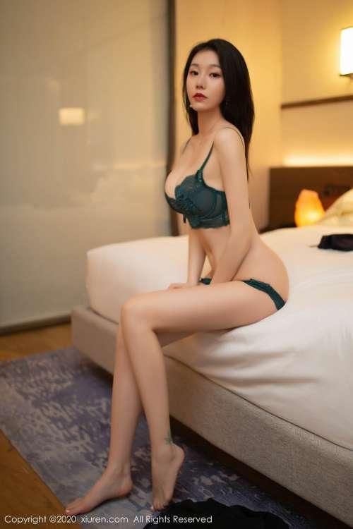美女开裆裤无禁无遮挡正面,穿蕾丝开裆裤没有禁的美女