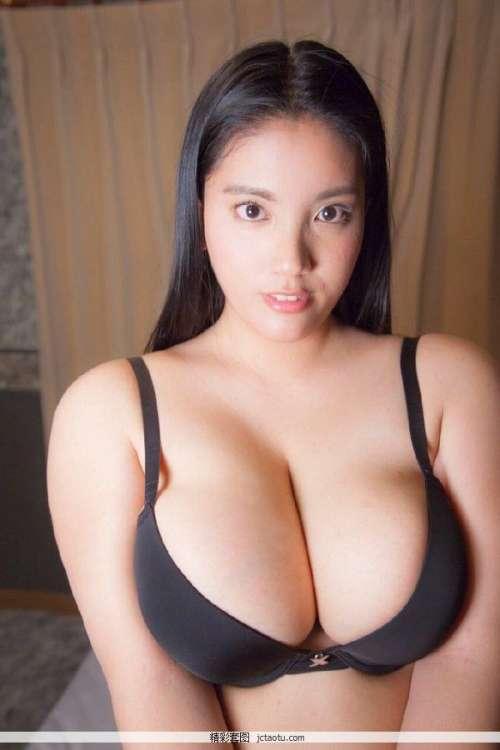 日本丰满大屁股少妇,日本丰满少妇裸体自慰艺术照