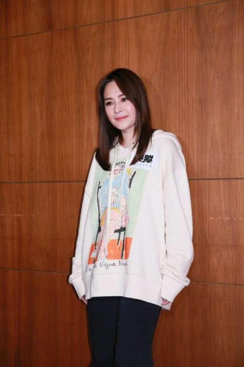 香港美女组合Twins成员阿娇钟欣潼最新图片