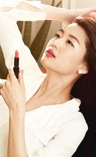 韩国美女明星全智贤唇膏拍摄广告大片