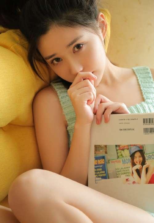 不化妆的自然美女图片,素颜美女高清壁纸图片
