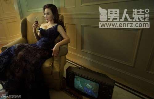 著名表演艺术家蔡明《男人装》性感图片