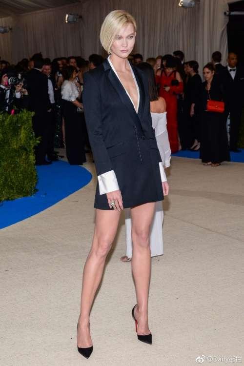 欧美超模Karlie Kloss(卡莉·克劳斯)在纽约出席