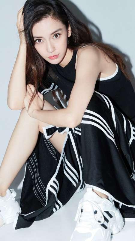 杨颖性感香肩时尚迷人写真图片手机壁纸