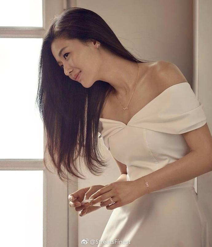 韩国美女明星全智贤为珠宝品牌STONEHENgE拍摄的画