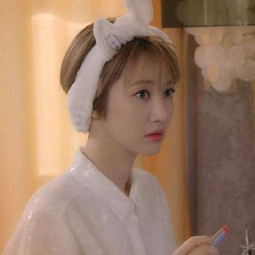高俊熙韩国明星短发极品美女写真图片