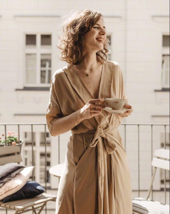 欧美美女图片 波兰美女时尚博主Karolina穿搭图片