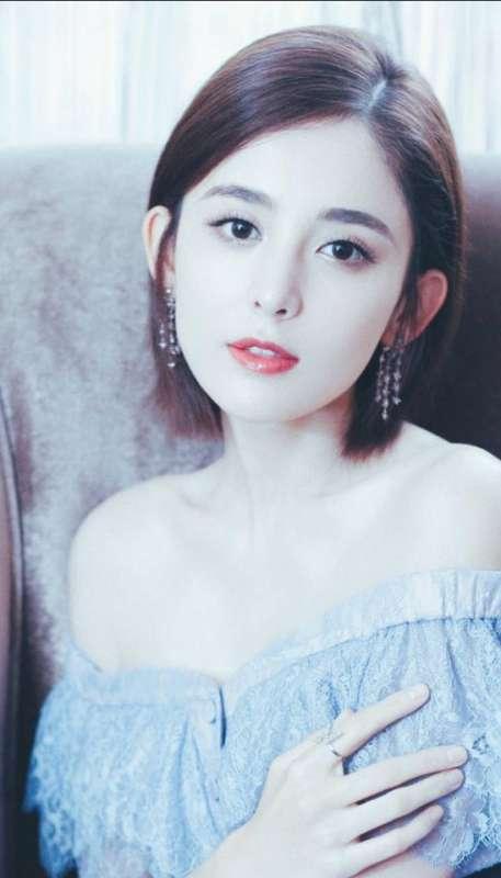 新疆美女图片 内地女星古力娜扎短发清新图片