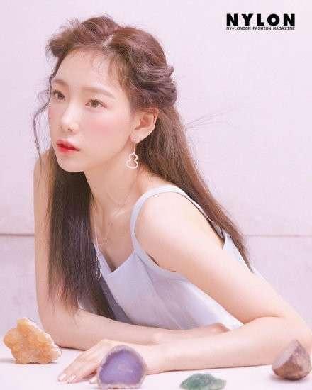 韩国美女明星金泰妍水蜜桃口味少女感画报图片