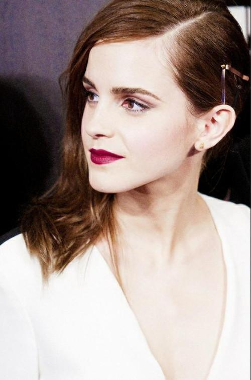 法国美女图片 欧美女明星艾玛·沃特森侧颜图片