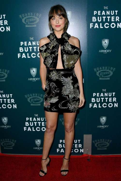 欧美美女图片 女明星达科塔·约翰逊亮相《花生