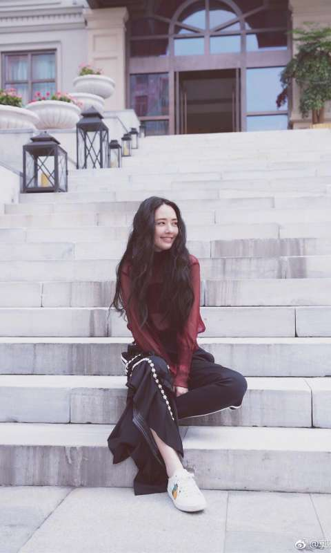 美女明星郭碧婷唯美街拍图片