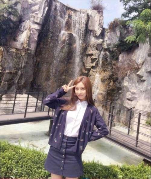 韩国美女明星演员金素恩图片