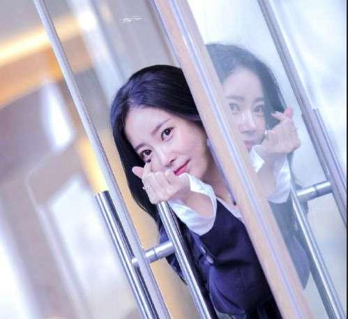 韩国美女朴素妍生日快乐图片