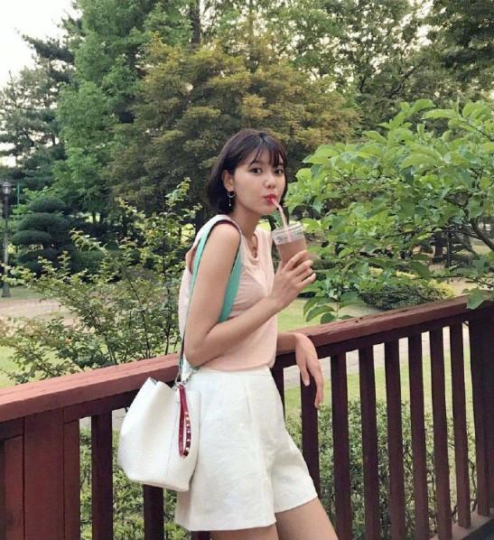 韩国女团少女时代崔秀英短发图片