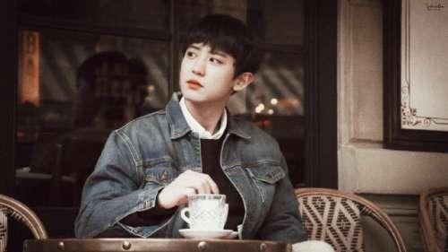 韩国男星朴灿烈牛仔服街拍图片