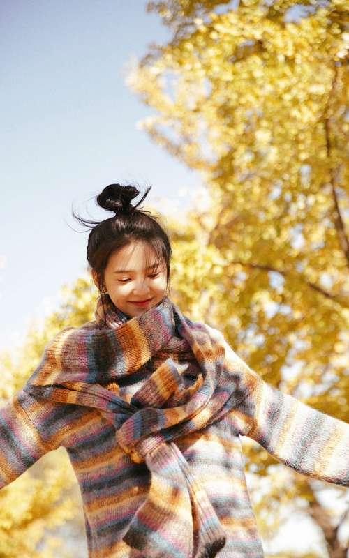 章若楠秋季唯美写真图片手机壁纸