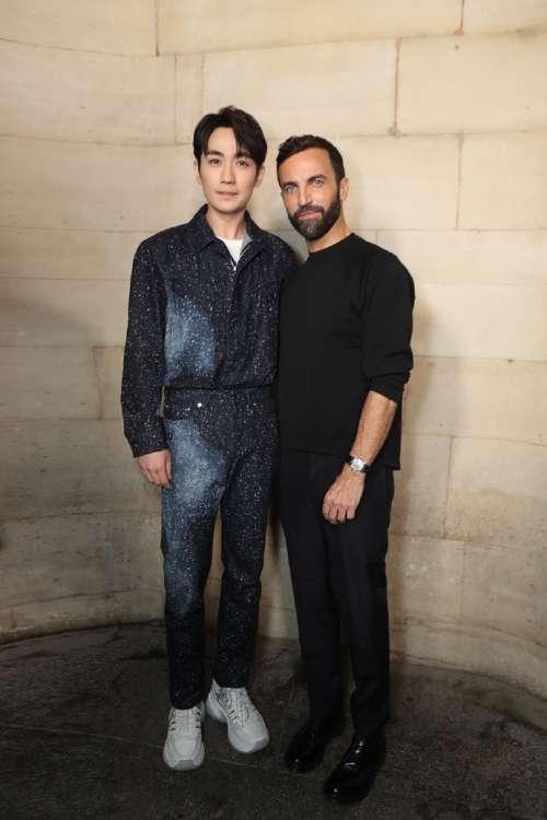 新晋男神朱一龙受Louis Vuitton亮相巴黎时装周帅气