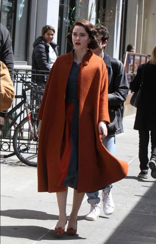 美国美女演员麦瑟尔夫人Rachel Brosnahan图片