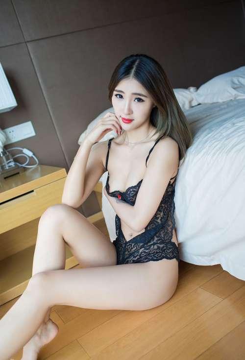 大胆美女模特Doobi酒店私拍蕾丝内衣香艳诱惑写真